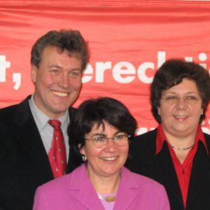 Die Spitzenkandidaten der Gütersloher SPD - Maria Unger, Ingrid Tiedtke-Strandt und Thomas Ostermann.
