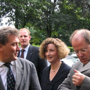 Ministerpräsident Peer Steinbrück zu Besuch in Gütersloh.