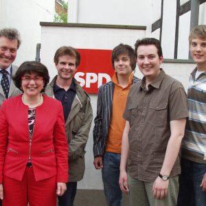 Der frisch gewählte Vorstand der Gütersloher Jusos mit Maria Unger, Thomas Ostermann und Maik Birkholz